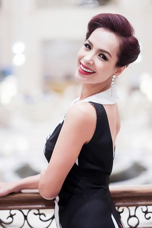 Top 4 mỹ nhân U40,50 đẹp hơn gái 18 của showbiz Việt - 13