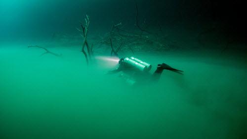 Khám phá hồ nước ngầm bí ẩn ở Mexico - 7