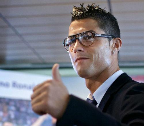 Lập kỷ lục thu nhập, Ronaldo sắp thành tỷ phú USD - 2