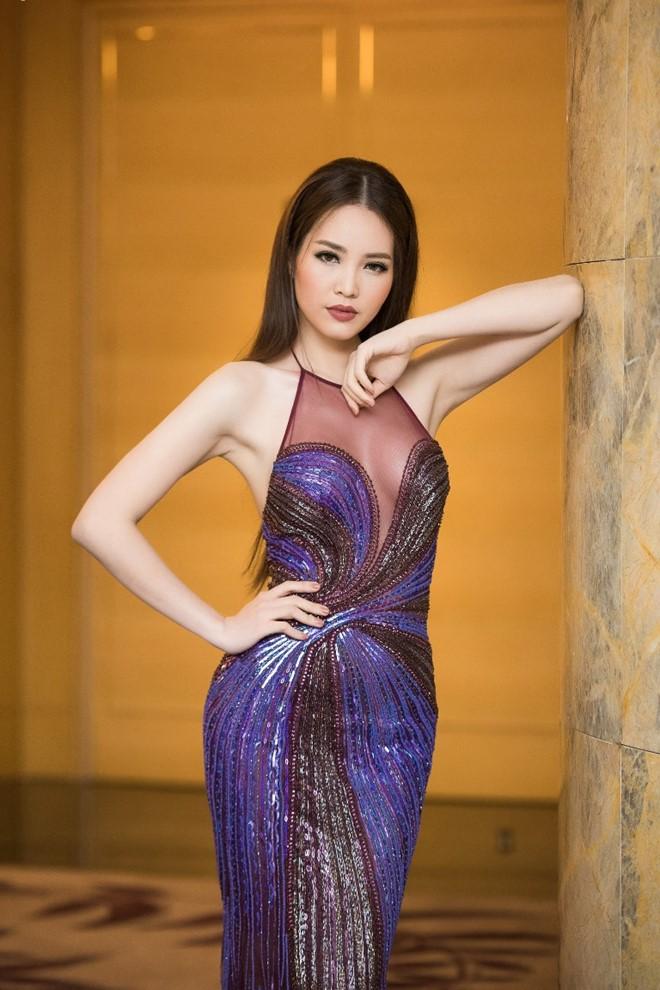 Đan Lê, Hồng Nhung so kè đầm bó xuyên thấu - 4