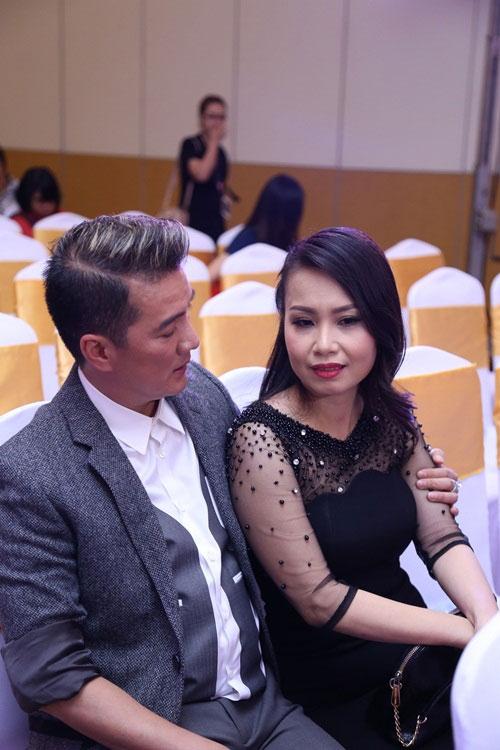 Cẩm Ly khóc ngất trong vòng tay Mr Đàm vì áp lực 'ghế nóng' - 2