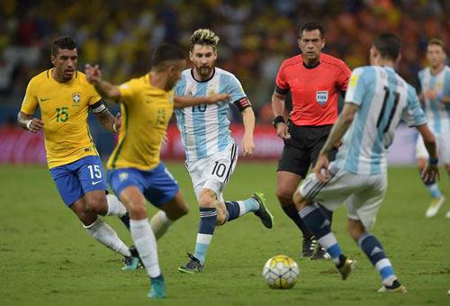 Messi đá kém ở ĐT Argentina: Ngôi sao cô đơn - 2