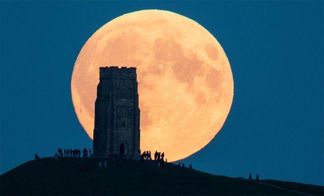 Tối nay, Việt Nam đón siêu trăng lớn nhất trong 68 năm - 2