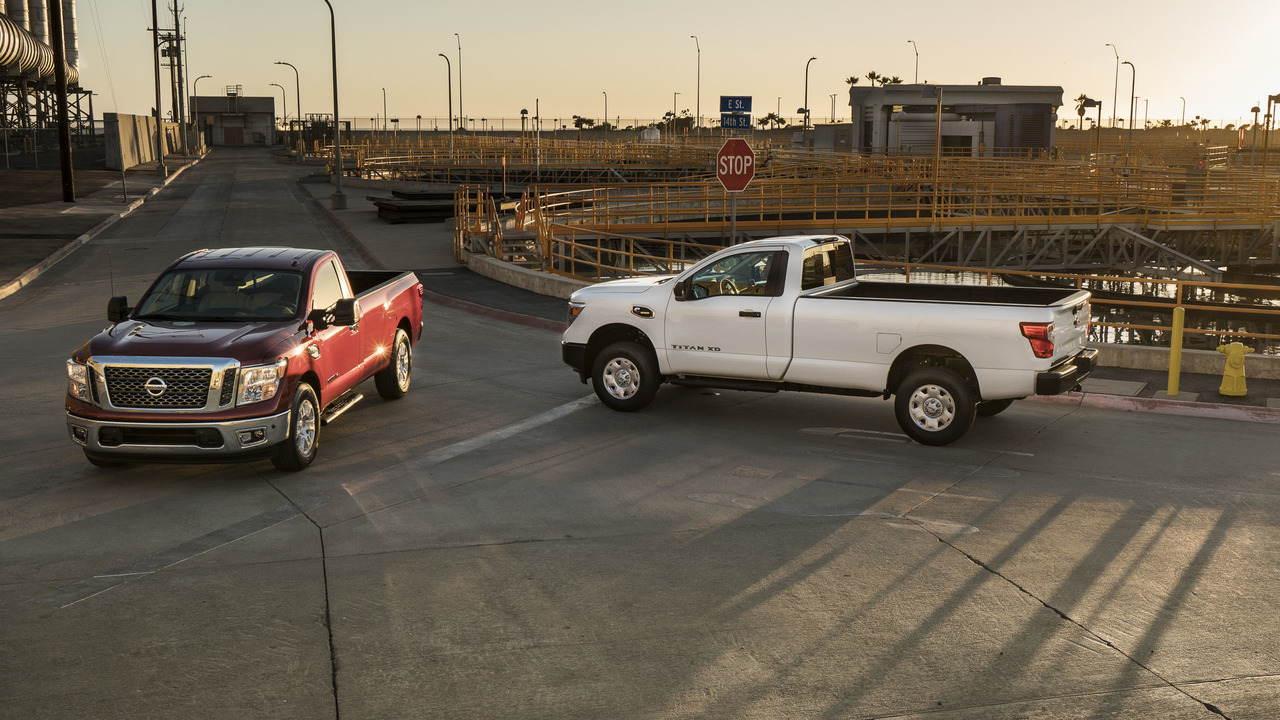 Nissan chính thức chốt giá Titan Single Cab 2017 - 1