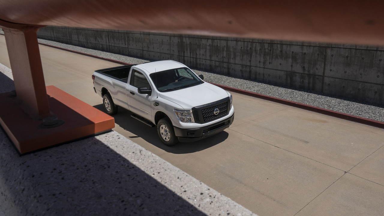 Nissan chính thức chốt giá Titan Single Cab 2017 - 9