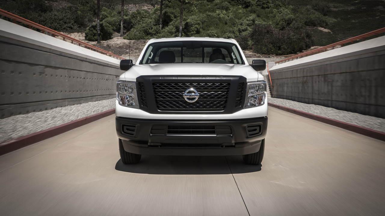 Nissan chính thức chốt giá Titan Single Cab 2017 - 11
