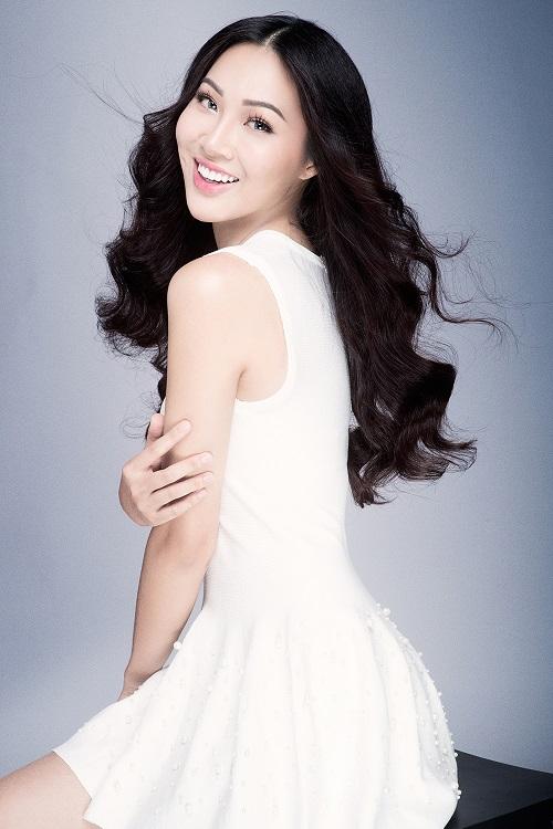 Diệu Ngọc rạng rỡ với đầm ren trước thềm Miss World - 6
