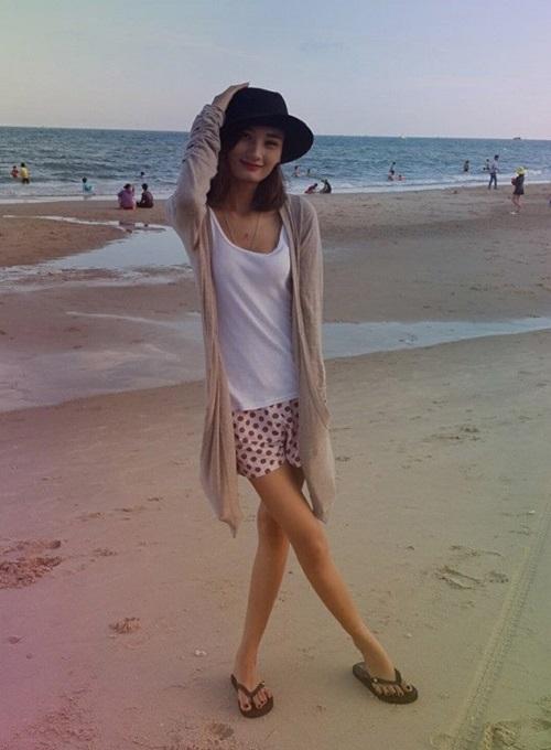 """Không nhận ra thời mặc """"quê kiểng"""" của chân dài Việt - 5"""
