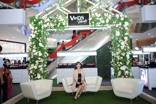 """Vừa khai trương, Vincom Center Phạm Ngọc Thạch đã lọt top """"check-in"""" - 4"""