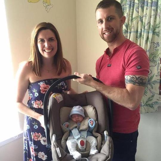 Cứu sống em bé sinh non nặng 0,45 kg - 5