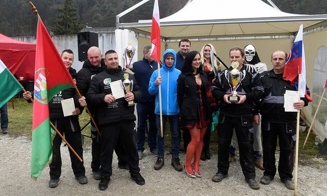 Cuộc thi tìm người đào mộ nhanh nhất châu Âu - 1