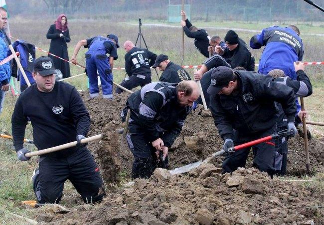 Cuộc thi tìm người đào mộ nhanh nhất châu Âu - 5