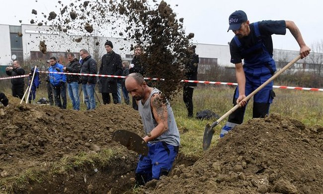 Cuộc thi tìm người đào mộ nhanh nhất châu Âu - 2