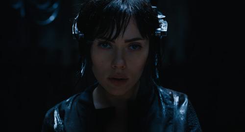 """""""Biểu tượng gợi cảm"""" Scarlett bốc lửa trong phim hành động - 7"""