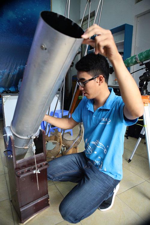 Giới trẻ săn siêu trăng bằng kính thiên văn… ống nước - 6