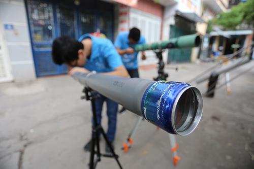 Giới trẻ săn siêu trăng bằng kính thiên văn… ống nước - 10
