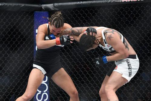 """UFC: Thua sốc, """"hoa khôi"""" cay đắng xin giải nghệ - 2"""