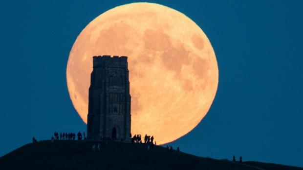 Siêu trăng lớn nhất 70 năm qua gây động đất New Zealand? - 1