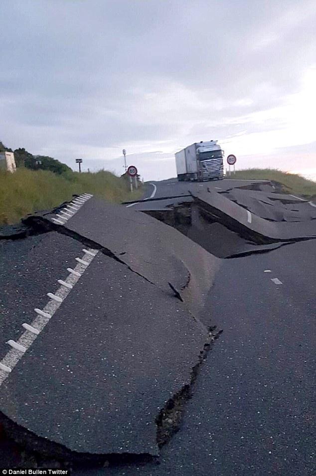 Siêu trăng lớn nhất 70 năm qua gây động đất New Zealand? - 3