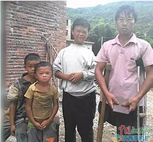 """TQ: Cậu bé được """"quý nhân phù trợ"""" vì quá giống Jack Ma - 2"""