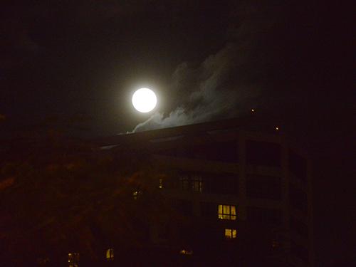 Chiêm ngưỡng siêu trăng lớn nhất trong 68 năm tại Việt Nam - 8