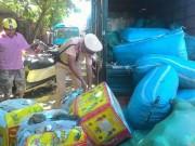 Thị trường - Tiêu dùng - Huế: Bắt giữ hàng chục bao tải, thùng xốp nội tạng thối trên xe tải