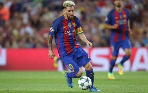 """Barca sắp """"trói chân"""" Messi, lương cao hơn Ronaldo? - 1"""