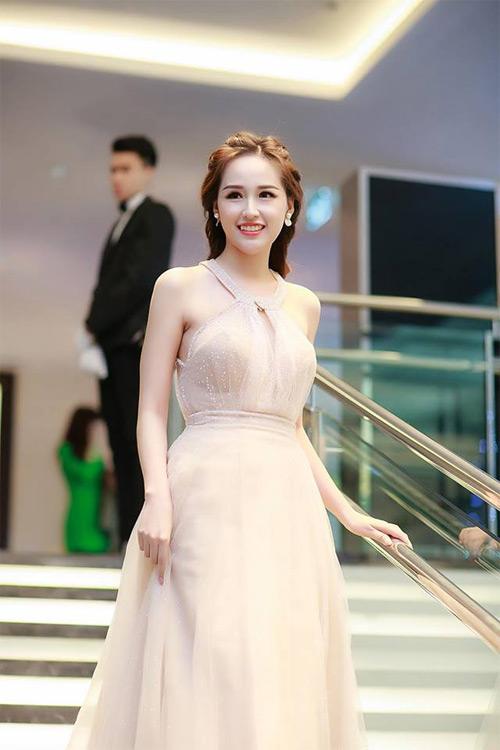 Loạt váy giúp Mai Phương Thúy khoe đường cong nữ thần - 13