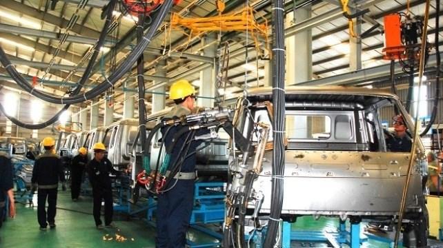 Công nghiệp ô tô VN vẫn luẩn quẩn làm dây điện, săm lốp, ắc quy... - 1