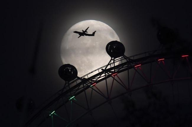 Ngắm siêu trăng lớn nhất 70 năm qua trên toàn thế giới - 2