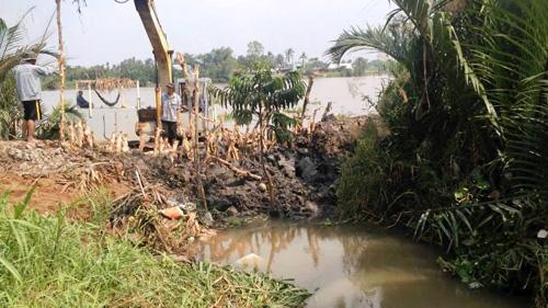 Vỡ bờ bao ven sông Sài Gòn, nhiều người dân trắng tay - 10