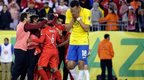 """Peru – Brazil: Điệu Samba quyết """"phục hận"""" - 1"""