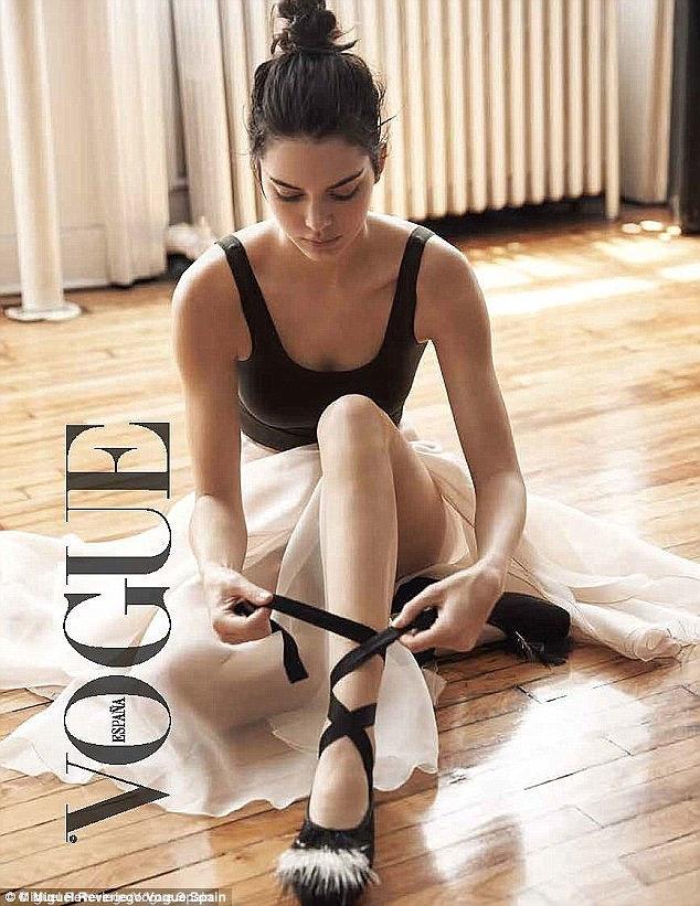 """Fan """"sốc"""" vì Kendall Jenner xóa Instagram bạc tỷ của mình - 3"""