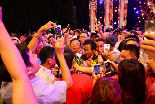Chế Linh một mình giữa dàn mỹ nhân bolero tại Thanh Hoá - 1