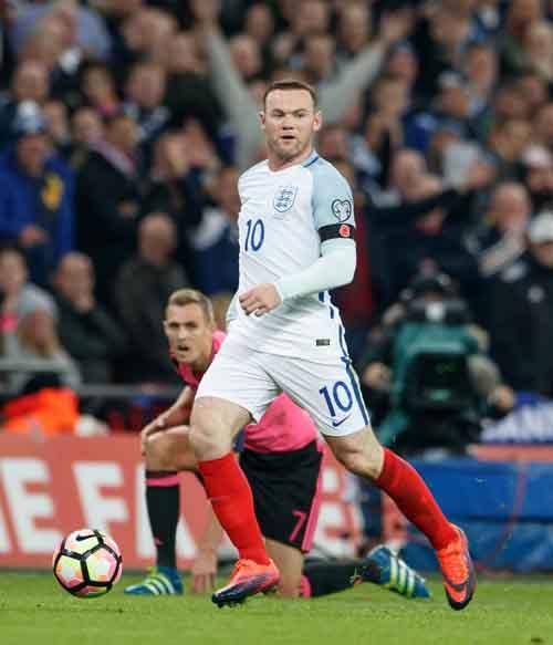 ĐT Anh: Xả trại, Rooney say xỉn ở quán bar - 4