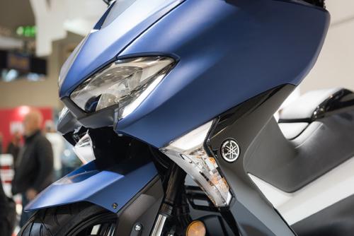 Yamaha trình làng xe tay ga TMAX tại EICMA 2016 - 5