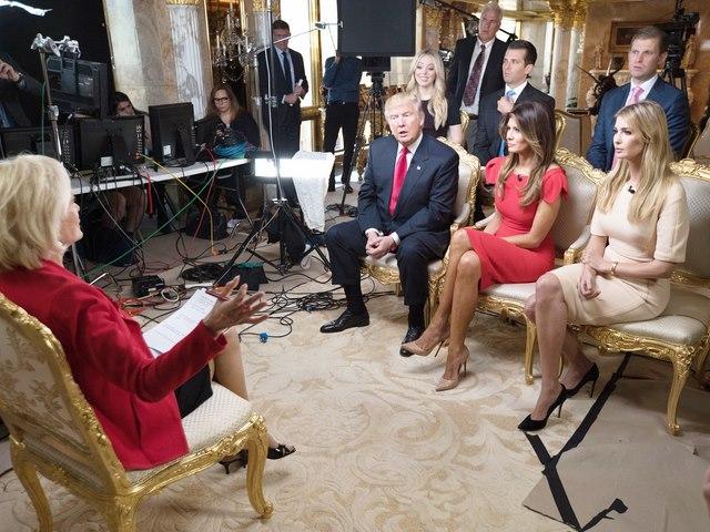 Con gái Trump xin lỗi vì quảng cáo vòng tay khi lên TV - 1