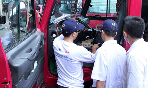 Ngày hội chăm sóc bác tài lần đầu tiên tại Việt Nam - 5