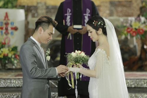 Khắc Việt phủ nhận chuyện kết hôn ở tuổi 29 - 4
