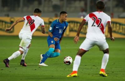 """CHI TIẾT Peru - Brazil: """"Điệu sam-ba"""" tưng bừng - 4"""