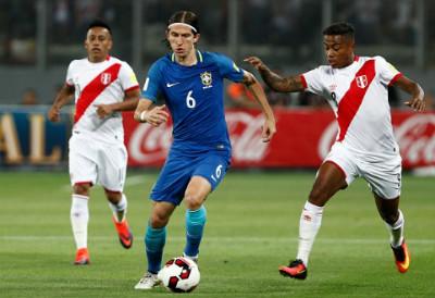 """CHI TIẾT Peru - Brazil: """"Điệu sam-ba"""" tưng bừng - 3"""