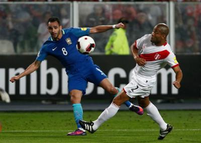 """CHI TIẾT Peru - Brazil: """"Điệu sam-ba"""" tưng bừng - 5"""