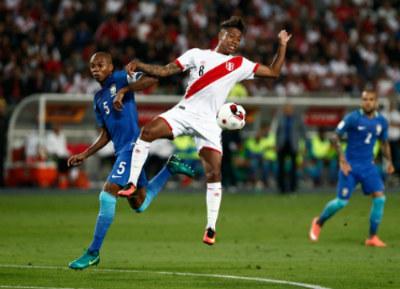 """CHI TIẾT Peru - Brazil: """"Điệu sam-ba"""" tưng bừng - 6"""