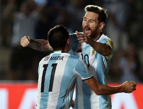 Hết nỗi lo World Cup, Messi tìm lại niềm vui - 2