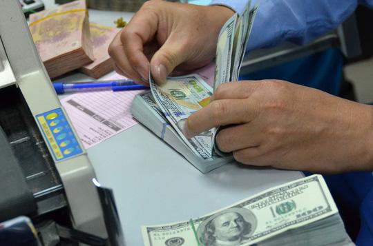 Giá USD trong ngân hàng tăng mạnh - 1