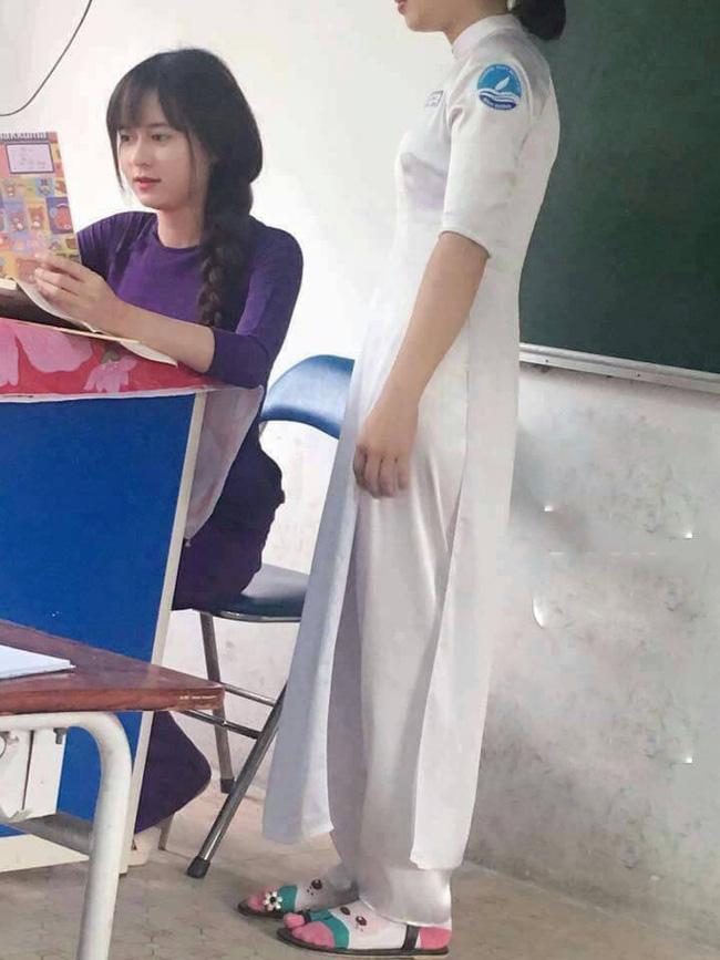 Cô giáo xinh đẹp từng gây sốt bất ngờ lên xe hoa - 1