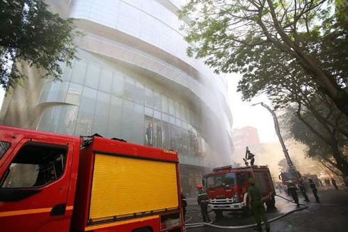 Kịch bản cháy nổ kịch tính ở toà nhà cao nhất Sài Gòn - 8