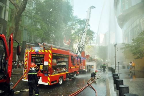 Kịch bản cháy nổ kịch tính ở toà nhà cao nhất Sài Gòn - 9