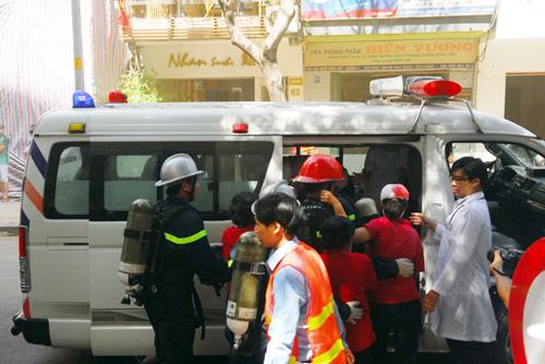 Kịch bản cháy nổ kịch tính ở toà nhà cao nhất Sài Gòn - 15