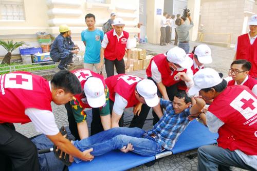 Kịch bản cháy nổ kịch tính ở toà nhà cao nhất Sài Gòn - 14